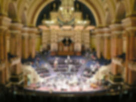 Victoria_Hall,_Leeds_Town_Hall_-_geograp