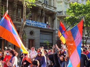 Movilización pacífica de los armenios de Argentina hacia la Embajada de Israel
