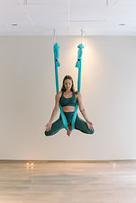 Μαθήματα  Aerial Yoga  Αθήνα Χολαργός Χαλάνδρι Ψυχικό Αγία Παρασκευή