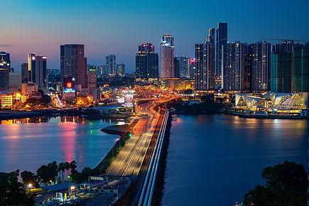 1280px-Empty_Singapore-Malaysia_Causeway