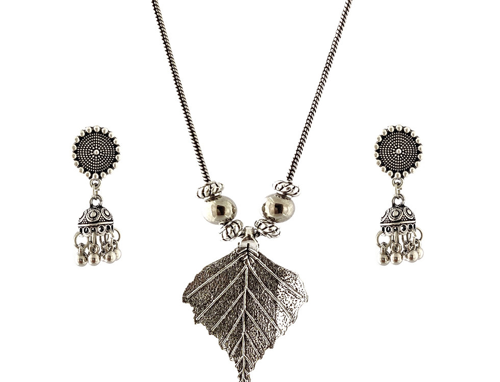 Oxidized Chain Necklace Set in Leaf Pattern with  Jhumka