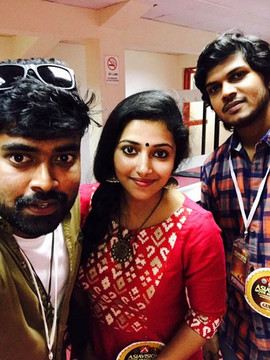 anu sithara with husband and sani yas