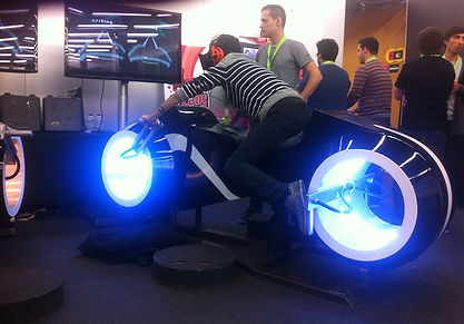 riftcycles-tron-light-cycle-virtual-real
