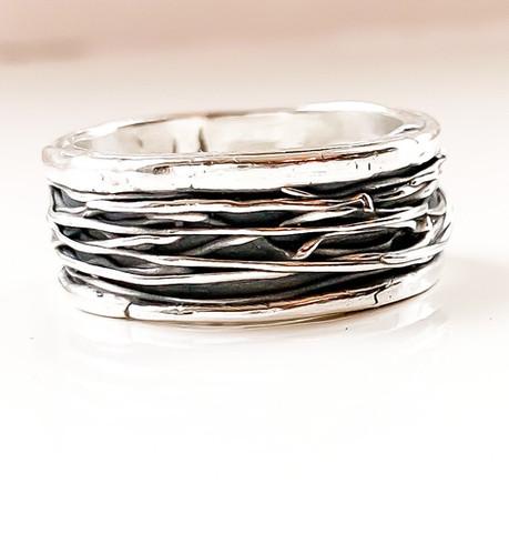 Ring gemaakt van zilverklei.jpeg