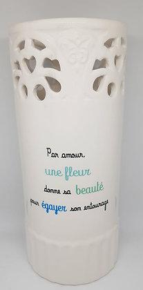 Vase - une fleur donne sa beauté...