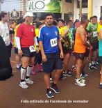 """Vereador beneficiário do """"Auxílio-Doença"""" participa de """"CORRIDA DE RUA"""" em comemoração aos 95 anos d"""
