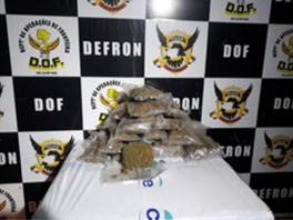 PM é preso com 10,5 kg de skunk no assoalho de Corsa Classic