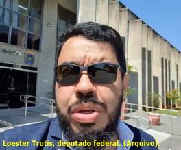 Suspeito de 'fingir' atentado, deputado LOESTER TRUTIS é preso pela Polícia Federal em Campo Grande