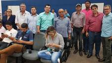 Vereadores de Maracaju participam da manifestação contra a ENERGISA