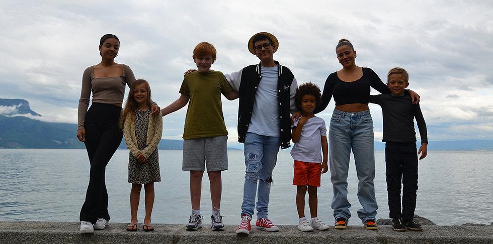 kids-in-front-of-lake-geneva.jpg