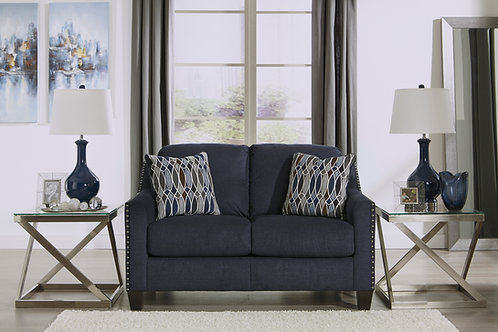 Creeal Heights Blue Loveseat
