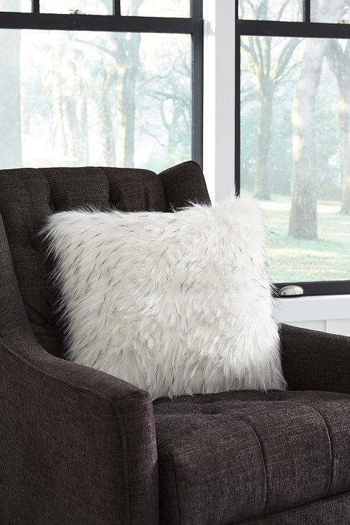 Calisa White Set of 4 Pillows