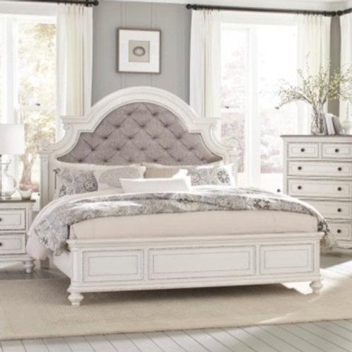 Baylesford Antique White Queen Bed