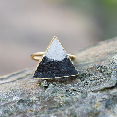 Triangle Ring Charcoal/Cream