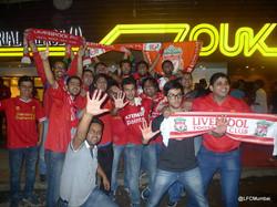 Fans outside the venue! 5 times!