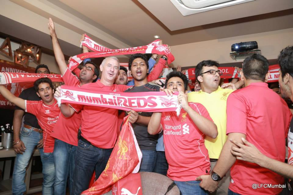 Ian Rush sings YNWA with Mumbai Reds