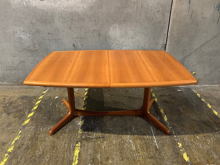 Benny Linden Danish Modern Dining Room Extendable Table
