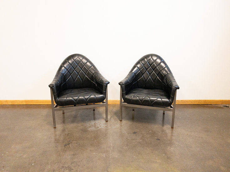 Milo Baughman for Thayer Coggin Modernist Black Leather Lounge Chairs