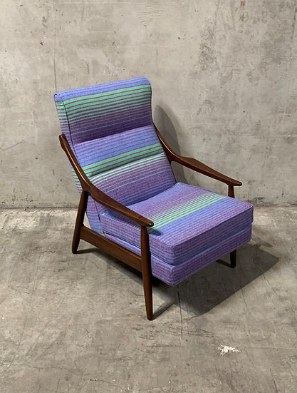 Paoli Chair Company Pendleton Lounge Chair