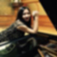 Mizi Li headshot.jpeg