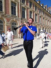 Elias Rodriguez performs 8 concerts at Fontainebleau Castle (France)