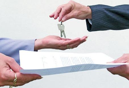"""Na """"entrega das chaves"""" da prefeitura, estruturada ou não, a responsabilidade é só do prefeito?"""