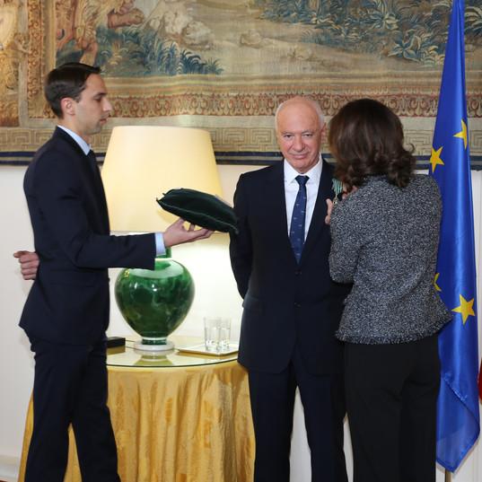 Remise de médaille d'honneur à Didier Farré