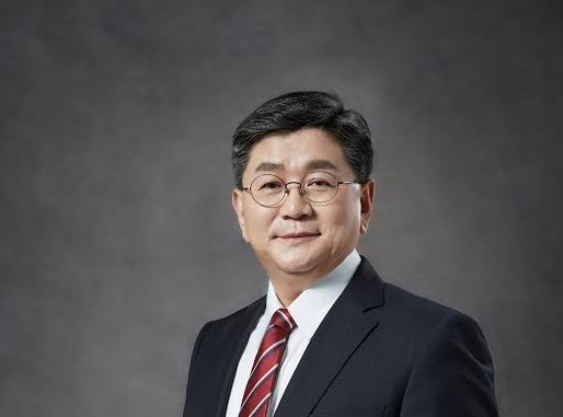 Issue 10 Dr. Kyung Sun, Chairman of Osong Medical Innovation Foundation