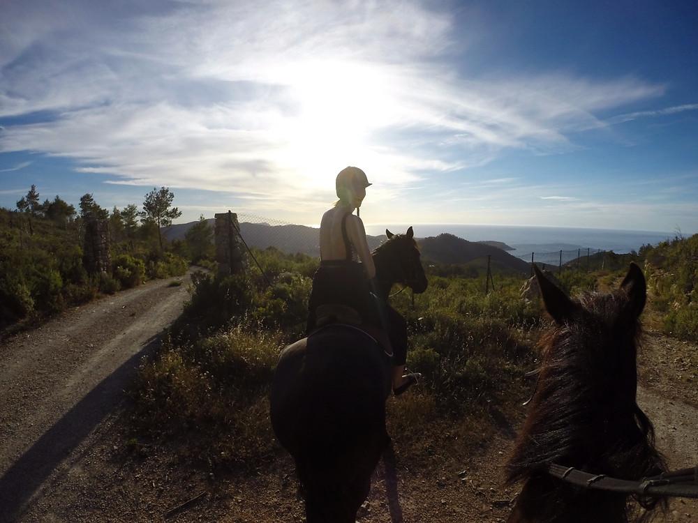 Prachtig panorama halfverwege de paardentocht.