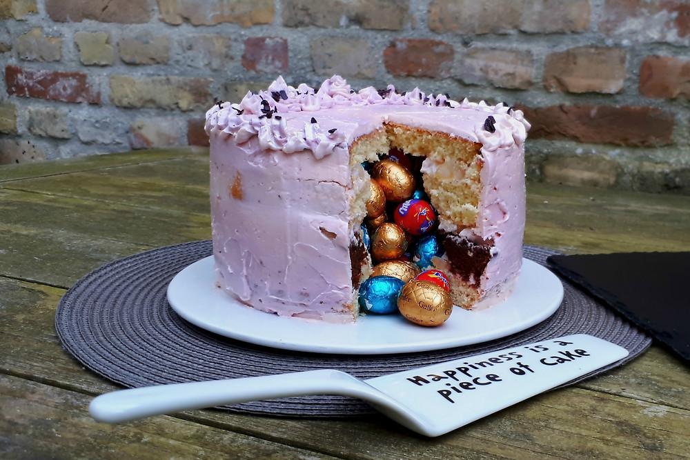 Aangesneden pinãta cake