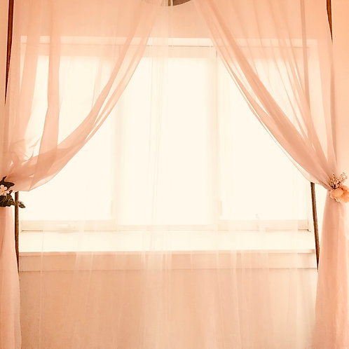 tulle & copper backdrop