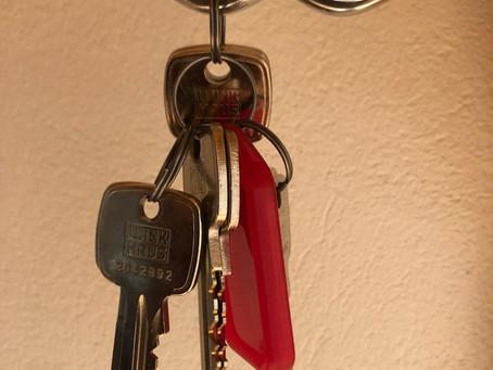 Skurhink, nycklar, sorg, nöjdhet och frihet
