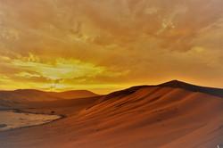 sunrise-2037485_1920