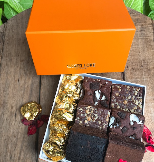 6 Brownie Orange Box