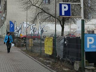 """Urbanista apeluje do łodzian: """"Nie bądźmy dziadami! Rozwiążmy problem dziadoparkingów""""!"""
