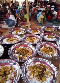 Food for Rohingyan Muslims