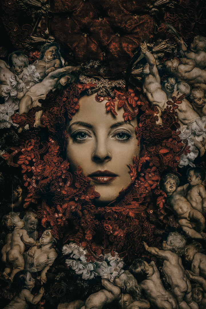 Madonna Rossa con Angeli.jpg