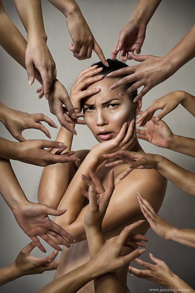 neli hands-s.jpg