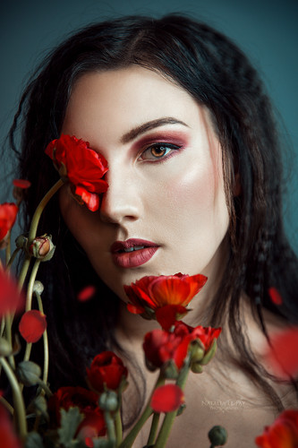 Simone-Beauty-1-web.jpg