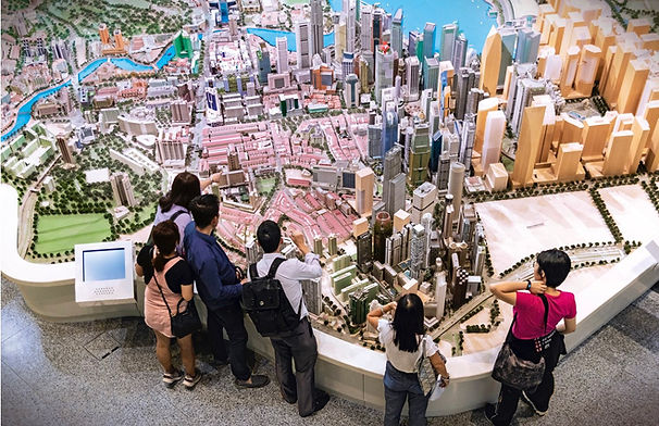 singapore-tourist-guide-at-city-gallery.