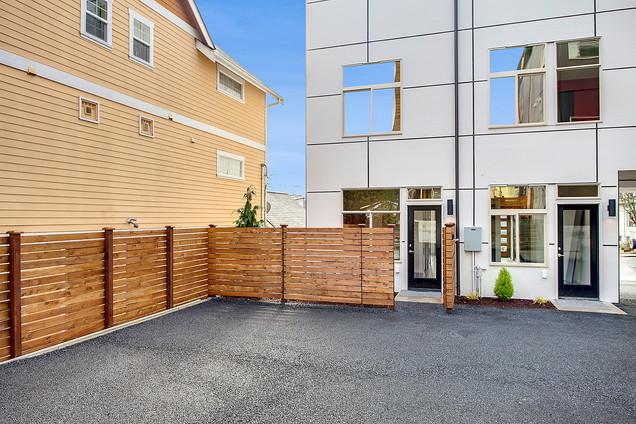 Modern Home Needs Modern Fence in Kirkland, WA
