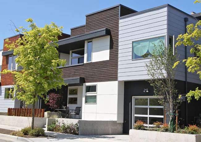 NEW HIGH-END TOWNHOME COMPLEX IN SEATTLE