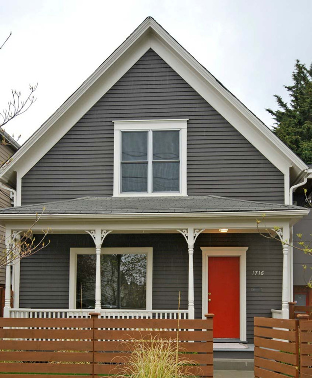 Traditional House with Modern Fence in Lynnwood, WA