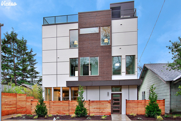 Stand Out with a Modern Fence in Seattle, WA