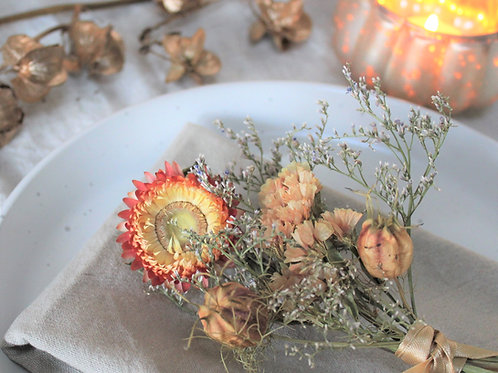 Minature dried flower posy