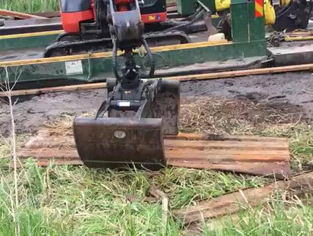 Wide Beam Digger Pontoon