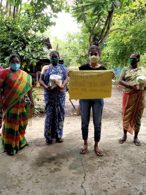 The first round of food kits 100 and 300 masks distributed to single women in Palghar, Maharashtra.