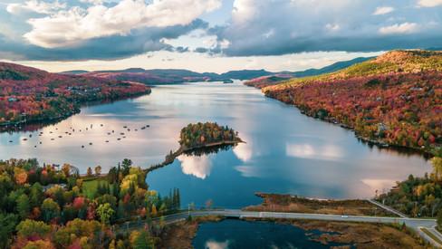 Lac Tremblant en automne 4000 x 2250.jpg