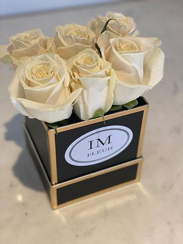 im-fleur-white-roses.jpeg
