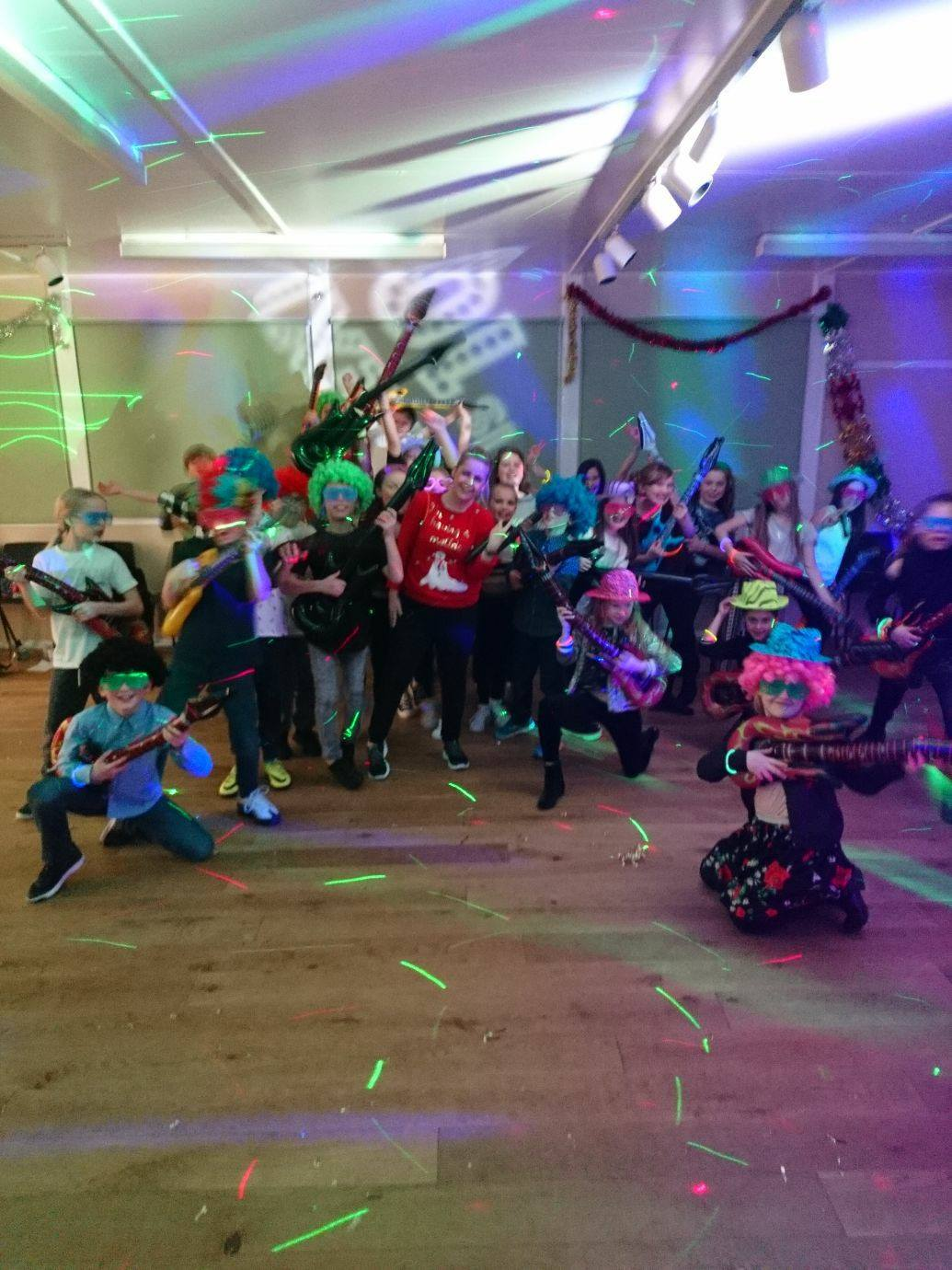 Kids DJ - Group photo with props